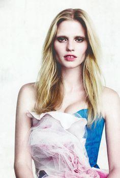 Lara Stone/Vogue China