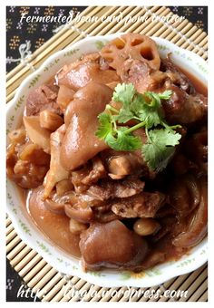 Braised Nam Yu Pork Trotters With Lotus Roots and Peanuts (南乳花生莲藕猪手) - Guai Shu Shu Bbq Pork Roast, Braised Pork, Pork Ribs, Pork Stew, Pork Rib Recipes, Meat Recipes, Asian Recipes, Chinese Recipes, Asian Foods