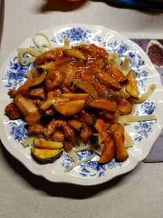 Édes csípős Csirkemell cukkinival Chicken Wings, Menu, Diet, Recipes, Food, Menu Board Design, Essen, Meals, Eten