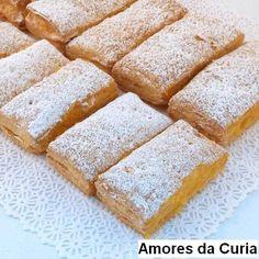 Amores da Curia  Ingredientes: - 500 grs. de massa folhada - Ovos moles q.b.   Para os ovos moles - 8 gemas de ovos - 3 chávenas de chá de ...