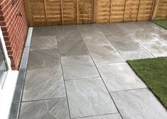 Our Grey Indian Sandstone is finished in the stunning Kandla colourway, which is a nicely toned silver and grey mix. Our finishes are consistent across packs. Sandstone Paving Slabs, Grey Paving, Small Backyard Gardens, Backyard Landscaping, Patio Gardens, Small Gardens, Small Patio Ideas Uk, Outdoor Paving, Outdoor Tiles