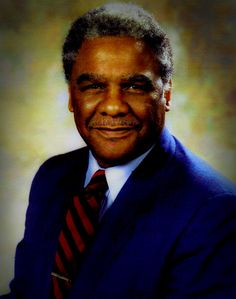 Harold Washington Harold Lee Washington (April 15 1922  November 25 1987) was an American lawyer politician and elected in 1983 as the 51st Mayor of Chicago. He was the first African-American Mayor of Chicago serving from April 29 1983 until his death on November 25 1987. He was also a member of the U.S. House of Representatives from 1981 to 1983 representing the Illinois first district and also previously served in the Illinois State Senate and the Illinois House of Representatives.  Early…