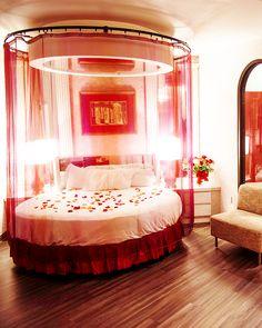 53 Valentine S Day In The Poconos Ideas In 2021 Poconos Couple Getaway Romantic Getaway
