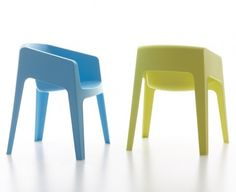 A stacking chair for indoor and outdoor use, Tototo was designed by Hannes Weinstein for Italian producer Maxdesign.