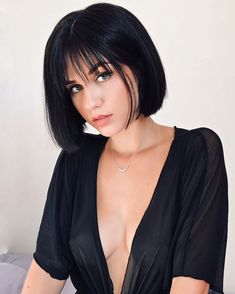 41 Beautiful Short Bob Hairstyles For Spring – Hair Styles Modern Short Hairstyles, Short Hair With Bangs, Cute Hairstyles For Short Hair, Short Hair Cuts, Straight Hairstyles, Curly Hair Styles, Fringe Hairstyles, Thick Hair, Bob Haircut With Bangs
