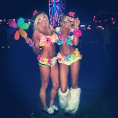 The hottest pics of sexy rave girls, beautiful raver chicks and hot girls in wonderful outfits! Hot rave girls wearing almost nothing. Loving life and music. Rave Festival Outfits, Music Festival Fashion, Edm Festival, Rave Outfits, Festival Girls, Rave Girls, Edm Girls, Dubstep, Edm Music Festivals