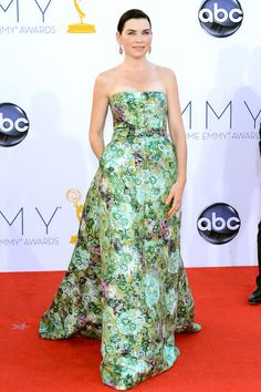 Julianna Margulies definitely stood out in a printed Giambattista Valli gown.