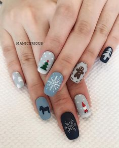 : 50 Gorgeous And Cute Christmas Square Nail Designs For The Coming Holiday - Page 13 of 50 - Chic Hostess - Nail Art Design Christmas Gel Nails, Xmas Nail Art, Christmas Nail Art Designs, Holiday Nail Art, Winter Nail Art, Autumn Nails, Nail Art For Christmas, Winter Nails Colors 2019, Snowman Nail Art
