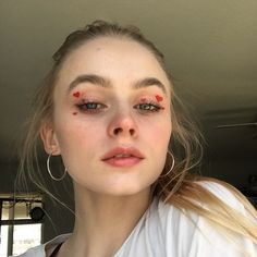 Best Picture For Valentines Day Makeup dramatic For Your Taste You are lookin. Best Picture For Valentines Day Makeup dramatic For Your Taste . Red Makeup, Kiss Makeup, Glam Makeup, Makeup Inspo, Makeup Art, Makeup Inspiration, Beauty Makeup, Hair Makeup, Cool Makeup Looks