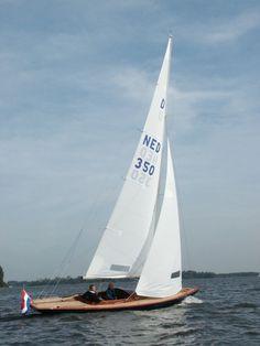 One-design sailboat / sport keelboat / classic / open transom VINTAGE DAY-SAILOR Doomernik Dragons