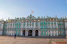 10 lugares imperdíveis para conhecer em São Petersburgo - Museu Hermitage San Petersburg, Louvre, Building, Places, Travel, Inspiration, Winter Palace, Hermitage Museum, Boating