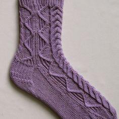 Stricken Socken Muster Alpine Kabel Socke von WearableArtEmporium, $6.50