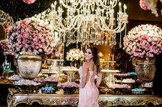 Uma Festa de Luxo ao Estilo Parisiense! Pietra se Inspirou no Glamour da Capital da Moda Para Comemorar os 15 Anos. Você vai A-M-A-R Essa Festa. Vem ver!