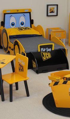 MiPetiteLife.es - Cama Excavadora Joey JCB Kidsaw. Nuestra cama Joey JCB de Kidsaw esta diseñada en torno a Joey, una excavadora de dibujos animados y especialmente pensada para convertirse en la primera cama de los más pequeños. Dispone de una pala a los pies de la cama para utilizarlo como caja de juguetes. Dimensiones: H.85 x x W.85 D.176cm. Tamaño colchon: W.70 x D.140cm. www.MiPetiteLife.es
