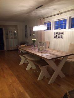Ferdig spisebord og benk :)