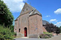 Clocher donjon. Eglise Saint-Martin (église fortifiée) .Jeantes (Aisne - Thiérache) -  Picardie