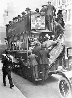 1928 image of the London bus, UK