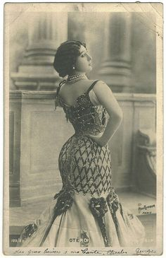 OTERO, Carolina. 'La bella Otero'_SIP. 129-20. Photo Reutlinger by Performing Arts / Artes Escénicas, via Flickr
