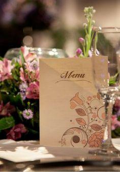 Contemporâneo e chic: decoração de casamento lilás e rosa | http://www.blogdocasamento.com.br/cerimonia-festa-casamento/decoracao-festa-igreja/decoracao-de-casamento-lilas-e-rosa/