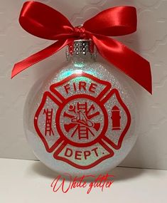 Fireman Firefighter first responder responder Vinyl Christmas Ornaments, Cricut Christmas Ideas, Candy Christmas Decorations, Diy Christmas Gifts, Christmas Projects, Holiday Crafts, Christmas Bulbs, Glitter Ornaments, Ornaments Ideas