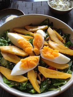 Detox-Rezepte salat-mango-spinat-eier