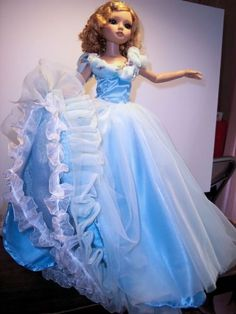 Ellowyne Wilde Rendition of The Ball Gown from 2015 Cinderella movie, by don3904 via eBay, SOLD 4/8/15 $100.00 (17 bids)