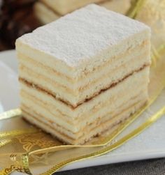 Honey Cake with Semolina Cream Honey Recipes, Sweet Recipes, Cake Recipes, Dessert Recipes, Hungarian Desserts, Romanian Desserts, Romanian Recipes, Romanian Food, Just Desserts