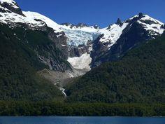 Glaciar Torrecillas en el Lago Menendez, Parque Nacional Los Alerces, Chubut, Esquel. www.turismoruta40.com.ar/esquel.html