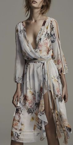Not usually my style, but I absolutely love that Boho midi dress Midi Dress With Sleeves, Dress Up, Boho Midi Dress, Midi Dresses, Sheer Dress, Fashion Dresses, Summer Dresses, Look Fashion, Womens Fashion