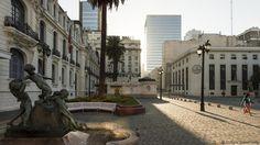 Santiago's Municipal Theatre at sunrise (Credit: Credit: Cultura Travel/Getty)