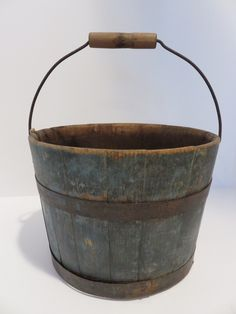 Great bucket in original blue paint. Woodworking Mallet, Woodworking Bed, Woodworking Supplies, Woodworking Videos, Woodworking Projects, Primitive Homes, Primitive Antiques, Country Primitive, Primitive Decor