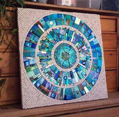 Mosaic wheel Mosaic Pots, Mosaic Wall Art, Mosaic Glass, Mosaic Tiles, Stained Glass, Glass Art, Mosaic Crafts, Mosaic Projects, Mosaic Designs