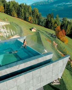 Infinity pool in the beautiful Dolomites! Amazing Swimming Pools, Luxury Swimming Pools, Luxury Pools, Swimming Pools Backyard, Dream Pools, Swimming Pool Designs, Pool Landscaping, Insane Pools, Swimming Pool Slides