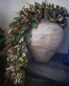 Cozy Christmas, Modern Christmas, Christmas Time, Christmas Wreaths, Christmas Crafts, Christmas Decorations, Xmas, Christmas Ornaments, Holiday Decor