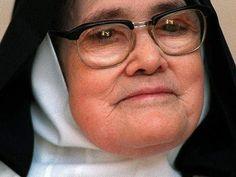 Straszna przepowiednia siostry Łucji. Mówi też o Polsce - YouTube Film, Youtube, Saints, Bible, Catholic, Faith, Movie, Film Stock, Movies