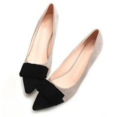 pointed toe high heels Picture - More Detailed Picture about 2017 Vintage Sexy Pointed toe High Heels Women Heeled Shoes Fashion Women's Pumps Brand Ladies Bowknot Middle Heels Picture in Women's Pumps from YUYAN HAPPY HOUR Store Pretty Shoes, Beautiful Shoes, Cute Shoes, Me Too Shoes, Shoes For School, Shoe Boots, Shoes Heels, Red Shoes, Shoes Sneakers