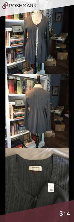 EUC Sonoma sweater cardigan Barely worn size medium Sonoma gray front button cardigan or sweater. Perfect for spring summer fall by itself or used as cardigan. Please check out my other quality listings. All sales final.   Tags: rose animals carly maxi classic tee tunics nicole pants cassie joy julia lindsay randy amelia azure sarah jeans jewelry bracelet earrings necklace tank blouse top sweatshirt Sonoma Sweaters Cardigans
