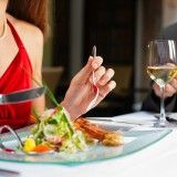 10 Tips to Eating Healthier at Restaurants