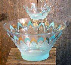 Blendo Atomic Chip and Dip Set Vintage Dishware, Vintage Kitchen Decor, Vintage Dishes, Vintage Decor, Vintage Pyrex, Vintage Lamps, Vintage Stuff, Vintage Furniture, Retro Vintage