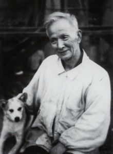 ITAYA Hazan (1872~1962), first holder of the Order of Culture of Japan (Bunka-kunsho) as a potter, with his dog.
