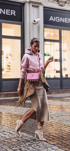 They Are Wearing: New York Fashion Week Spring 2019 - Herren- und Damenmode - Kleidung New York Fashion, Fashion Mode, Fashion Week, Look Fashion, Trendy Fashion, Spring Fashion, Autumn Fashion, Fashion Design, Fashion Trends