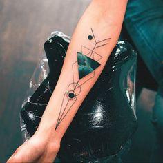 Ideas Of Cool Geometric Tattos Trendy Tattoos, Unique Tattoos, Black Tattoos, Small Tattoos, Symbolic Tattoos, Music Tattoo Designs, Music Tattoos, Body Art Tattoos, Tatoos
