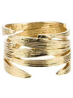 Gotta love this cutout bracelet <3 | WOUTERS & HENDRIX - bamboo ring 1