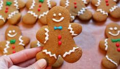 Galletas de navidad Spiced Gingerbread Man Cookies Recipe ~ You'll love these easy, festive gingerbread men loaded with warm winter spices and cheery charm. The dough bakes up a spicy, soft cookie that creates an incredible aroma in your home. Unique Christmas Cookie Recipe, Gingerbread Man Cookie Recipe, Christmas Sweets, Christmas Cooking, Christmas Gingerbread Man, Gingerbread Dough, Cute Christmas Cookies, Christmas Biscuits, Gingerbread Houses