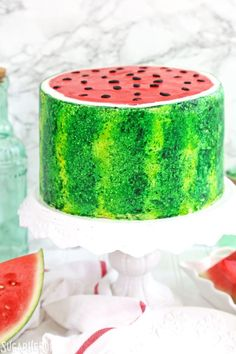 Watermelon Layer Cake - a watermelon flavored cake decorated to look just like a watermelon! #sugarhero #watermeloncake #cakedecorating Cacciatore, Summer Cakes, Summer Desserts, Tempeh, Mini Chocolate Chips, Chocolate Recipes, All You Need Is, Nutella, Oreo