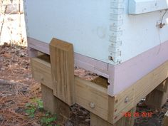 Obviously the whole reason to set up, maintain, and stock a beehive is to harvest honey. You will know that it is time to harvest the honey when you look i Bee Hive Stand, Beekeeping For Beginners, Beekeeping Equipment, Beekeeping Supplies, Worker Bee, Raising Bees, Bee Boxes, Bee Farm, Bees Knees
