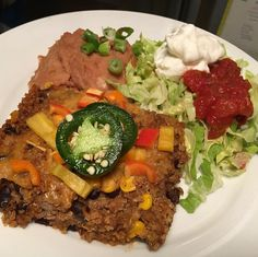 Dinner tonight was leftovers of the amazing @emilybitesblog quinoa enchilada bake (8sp) with 1/2c Old El Paso refried beans with green chilies (2sp) lettuce diced peppers diced scallion jalapeño salsa and 2T plain ff Greek yogurt (0sp) #dinner #ww #weightwatchers #smartpoints #beyondthescale #wwpointsplus #pointsplus #wwmeals #wwfooddiary #weightwatchersworks #wwsisterhood #wwinspiration #weightwatchersinspiration #weightwatchersfamily #weightwatcherssisterhood #wwfoodjournal #wwbride…