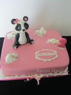 Doces Opções: Bolo com uma Panda para o aniversário da Francisca... Cake, Desserts, Diy, Animals, Food, Panda Cakes, Creative Cakes, Birthday Cakes, Decorating Cakes