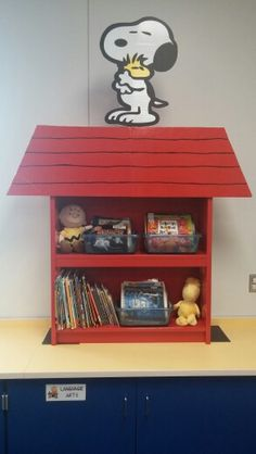 Snoopy book shelf