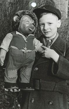 Ronald mit Mecki 1955